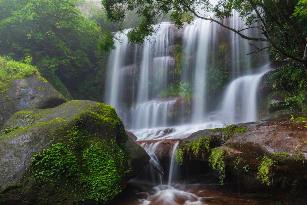 Tard Wimarn Thip Waterfall (น้ำตกตาดวิมานทิพย์)