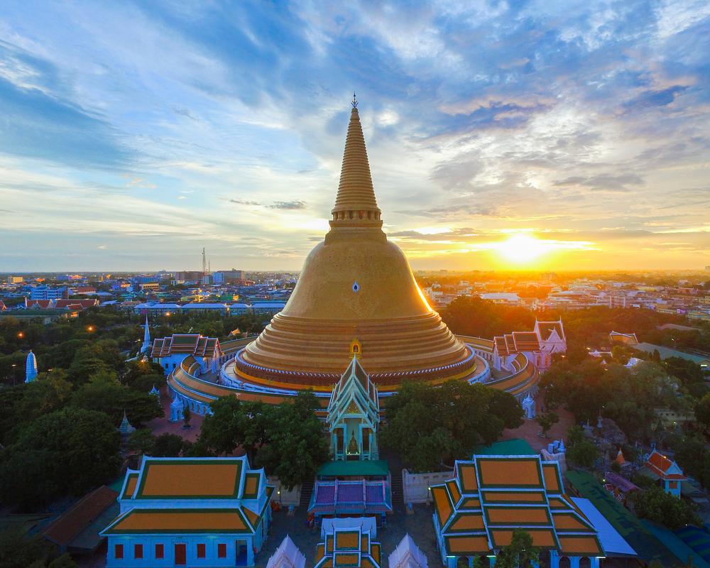 Wat Phra Pathom Chedi Ratcha Wora Wiharn (วัดพระปฐมเจดีย์ราชวรมหาวิหาร)