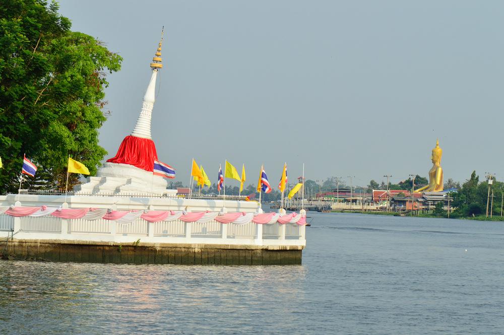 Wat Poramai Yikawat (วัดปรมัยยิกาวาส)