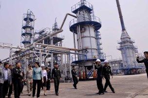 Fang - Yingluck walkabout