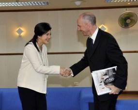 Mark meets Yingluck