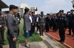 PM_Yingluck_Royal_Police