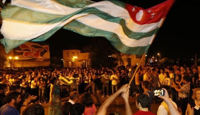 Что стало причиной политического кризиса в Абхазии 2016?