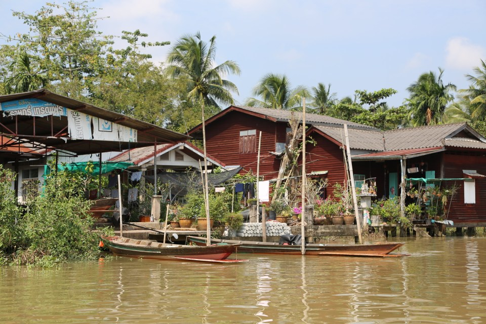 Canal life Surat Thani