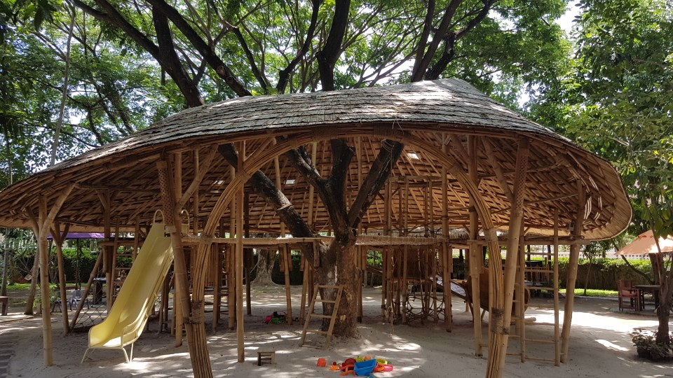 restaurants with playgrounds in Chiang Mai
