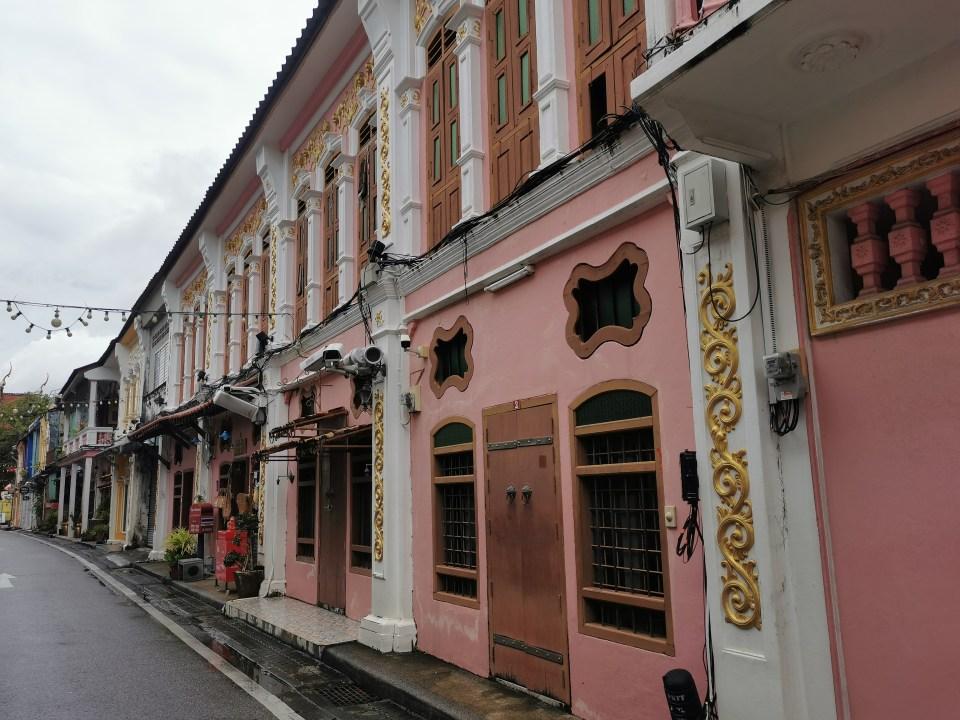 Soi Romanee in Phuket ton