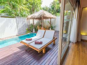 800-Private Pool Villa - Pool aussen am tag