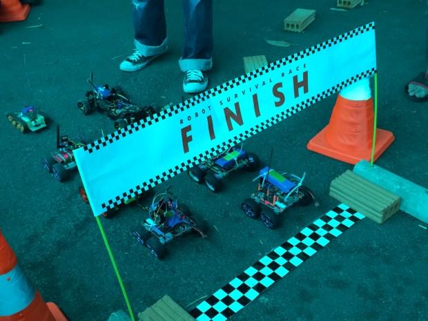 เตรียมตัวให้ดี! : การแข่งรถบังคับวิบาก