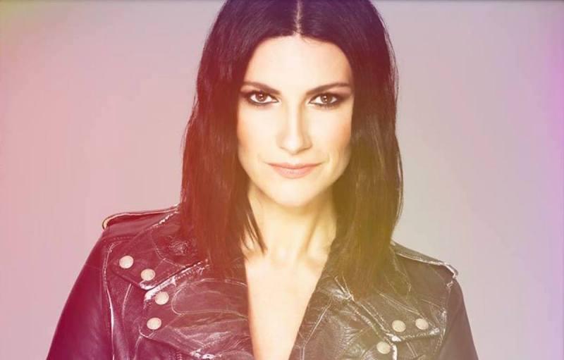 Resenha: Laura Pausini - Fatti Sentire