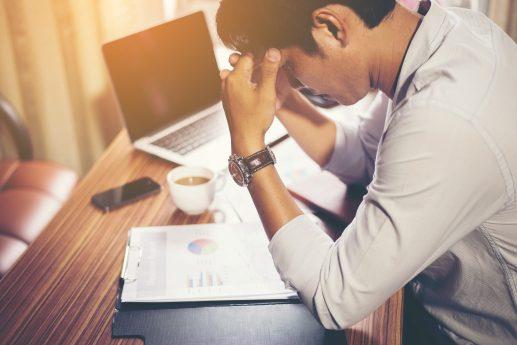 Homem estressado do trabalho