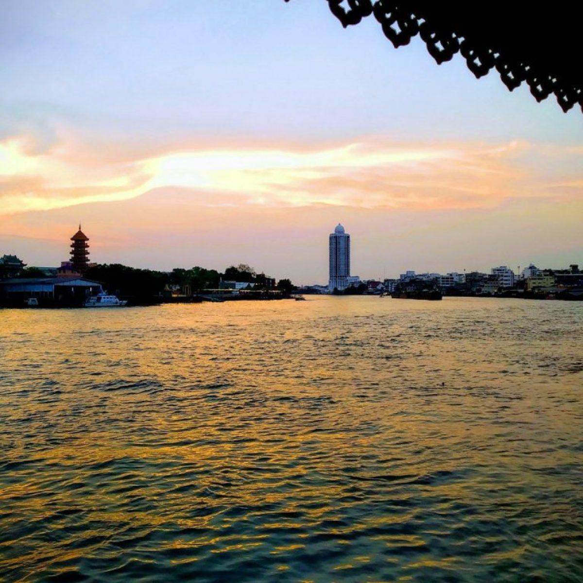 Nang Gin Kui review - Bangkok's stunning 'secret' dinner 1