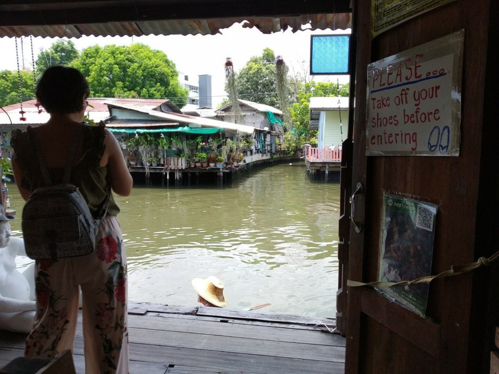 Khlong Bang Luang Floating Market: the quiet side of Bangkok 3