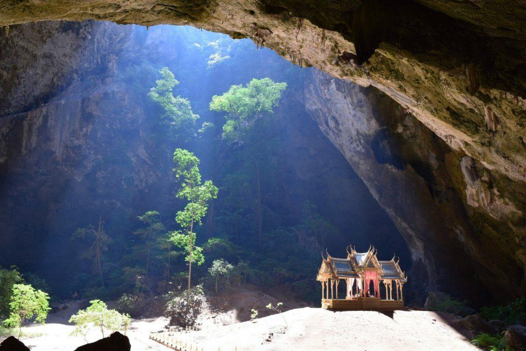 phraya nakhon cave temple hua hin