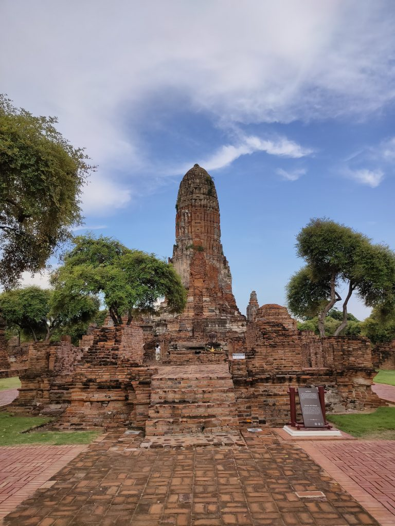 Ayutthaya: Touring the Temples in Thailand's old capital 9