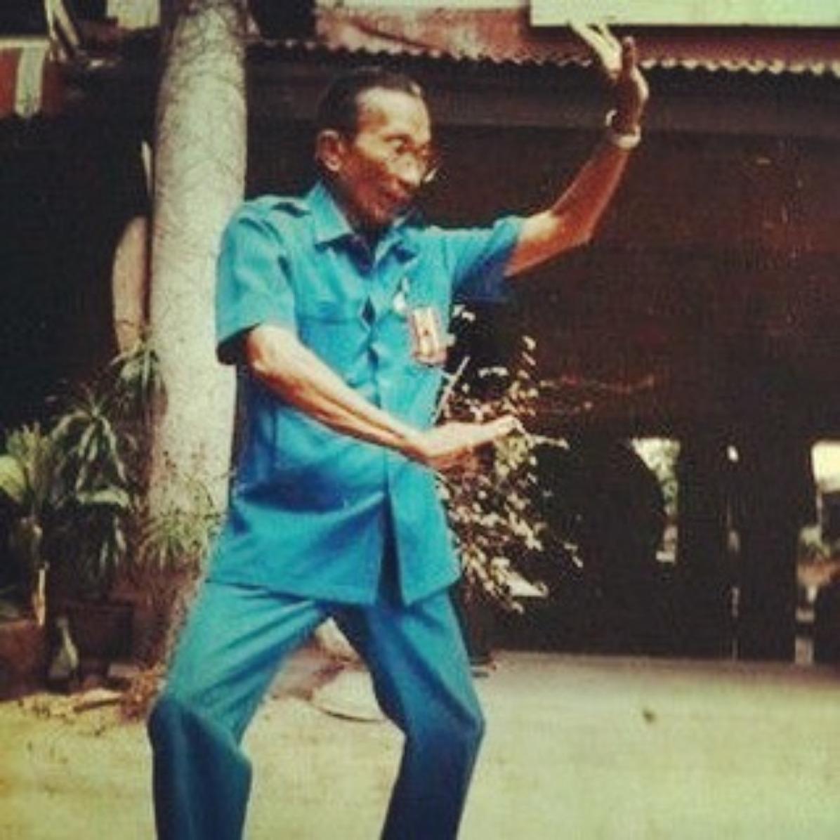 Grand Master, Phaa Khruu Samaii Mesamarn, Buddhai Sawan Sword Fighting Institute