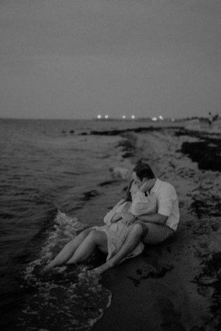 engagement_photos_robert_moses_beach-167