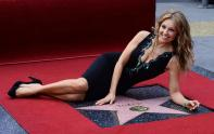 Thalia-honored-with-star-on-the-Hollywood-Walk-of-Fame-in-Los-Angeles