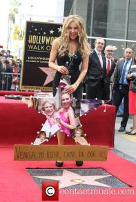 thalia-thalia-is-honored-with-a-star_3983155