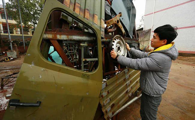 In-China-farmers-build-Transformers-replicas-out-of-junk-then-sell-them-for-1600002-650x402