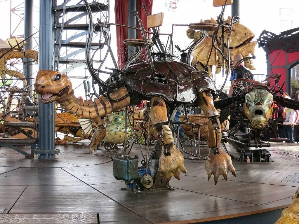 tortoise-ride-le-carrousel-des-mondes-marins-les-machines-de-lile-nantes-france