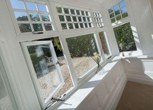 bay window white