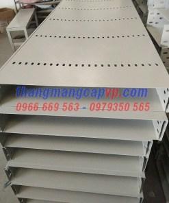 Sản xuất máng cáp 600x100