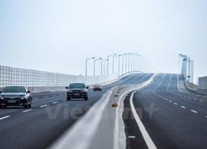 'Mắt thần' soi vi phạm, cân tàng hình chống xe quá tải ở đường cao tốc