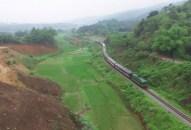 Xem xét thận trọng việc triển khai tuyến đường sắt mới Lào Cai – Hà Nội – Hải Phòng