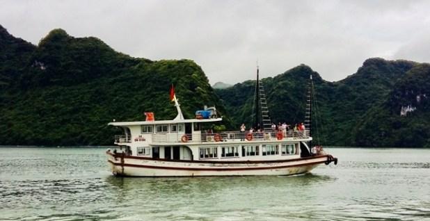 Hải Phòng tạm dừng tàu nghỉ đêm trên vịnh Lan Hạ