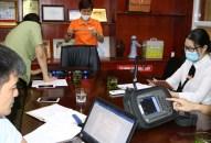 Sở Thông tin và Truyền thông phối hợp kiểm tra các thiết bị Micro không dây