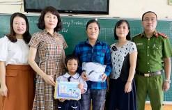 Người dân gửi thư cảm ơn Công an phường Niệm Nghĩa và Trường Tiểu học Võ Thị Sáu, quận Lê Chân