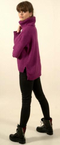 pulovere violet din mohair cu croi asimetric