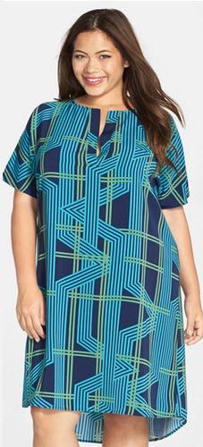 rochii masuri mari cu print geometric turcoaz cu linii bleumarin si vernil