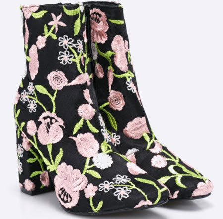 botine brodate cu flori roz vernil cu alb pe catifea neagra