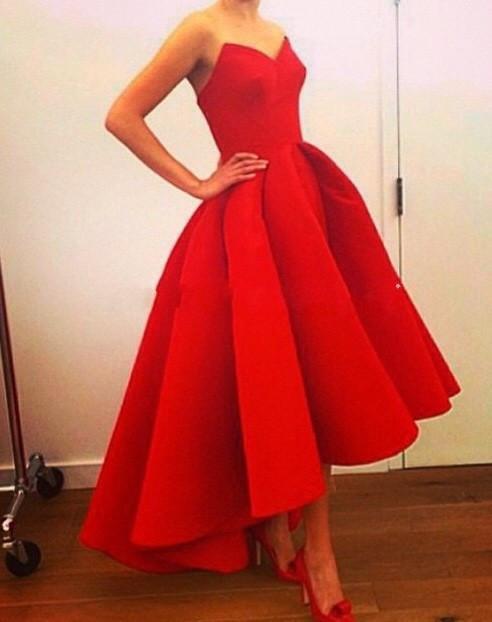 rochie rosie asimetrica pentru seara si ocazii speciale