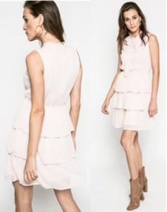rochie roz prafuit cu volane