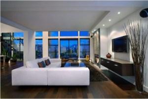 idei de amenajare living modern cu suprafete mari la ferestre si mobilier cu linii simple