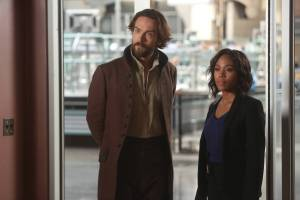 """SLEEPY HOLLOW: L-R: Tom Mison and Nicole Beharie in the ÒDead Men Tell No Tales"""" episode of SLEEPY HOLLOW airing Thursday, Oct. 29 (9:00-10PM ET/PT) on FOX. ©2015 Fox Broadcasting Co. Cr: Tina Rowden/FOX."""