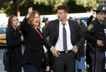 "BONES: L-R: Emily Deschanel and David Boreanaz in the ""The Murder Of The Meninist"" episode of BONES airing Thursday, April 21 (9:00-10:00 PM ET/PT) on FOX. ©2016 Fox Broadcasting Co. Cr: Patrick McElhenney/FOX"