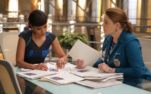 """BONES:  L-R:  Tamara Taylor and Emily Deschanel in the """"The Price for the Past"""" episode of BONES:  THE FINAL CHAPTER airing Tuesday, Jan. 24 (9:01-10:00 PM ET/PT) on FOX.  ©2016 Fox Broadcasting Co.  Cr:  Kevin Estrada/FOX"""