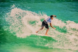 Surfer: Coco Mathias