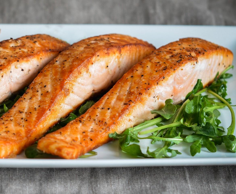 10 أنواع من الطعام تساعدك على تخفيف الوزن.