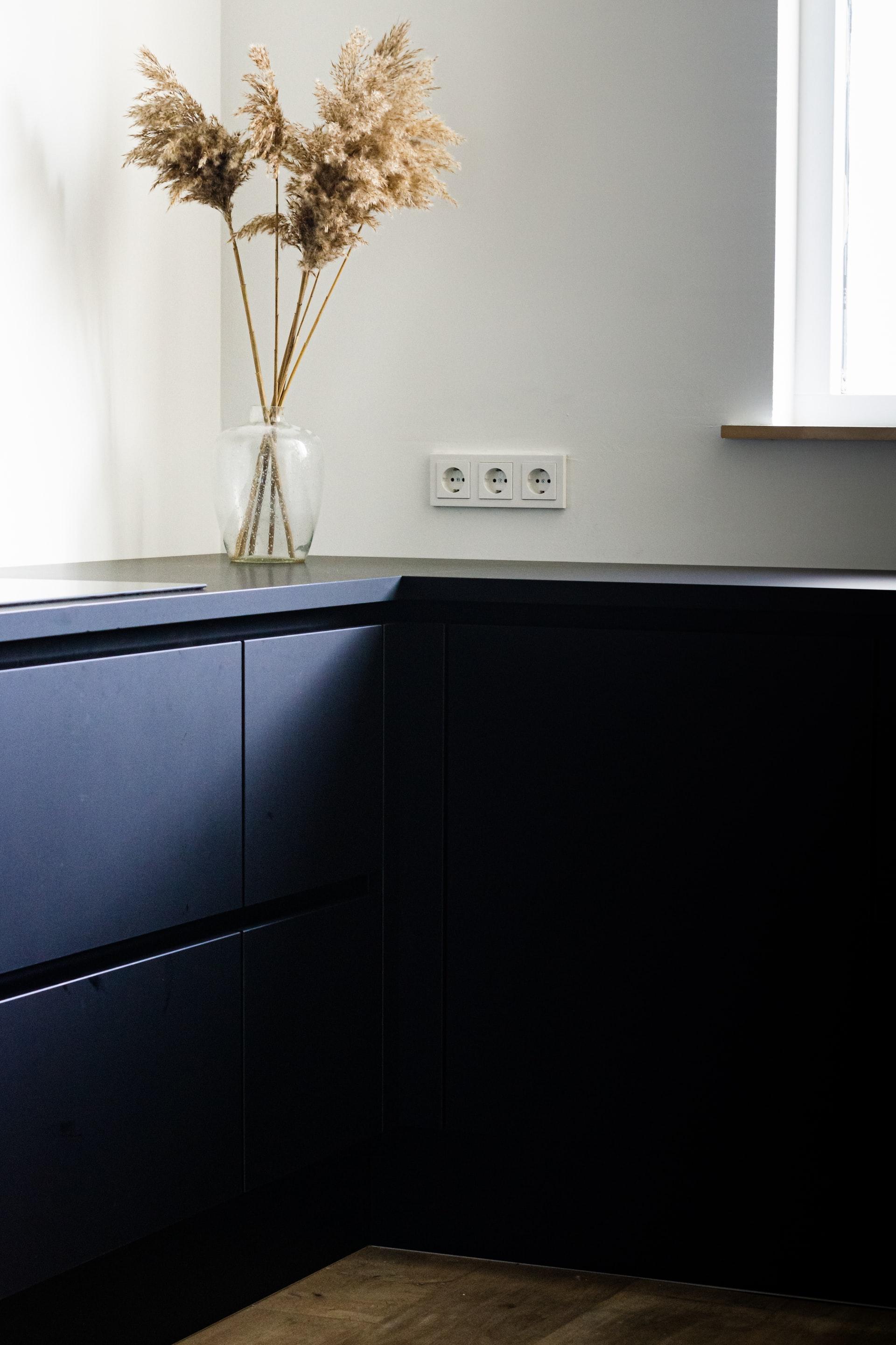 oil-based-primer-paint-cabinets