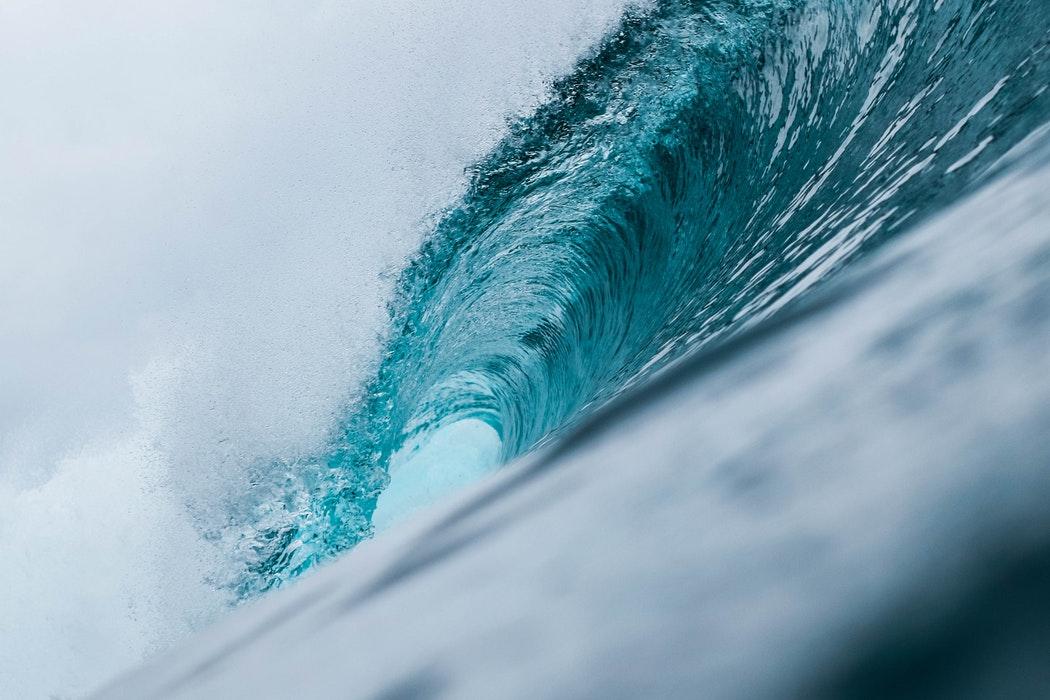 Hawaii Bucket List - Surfing