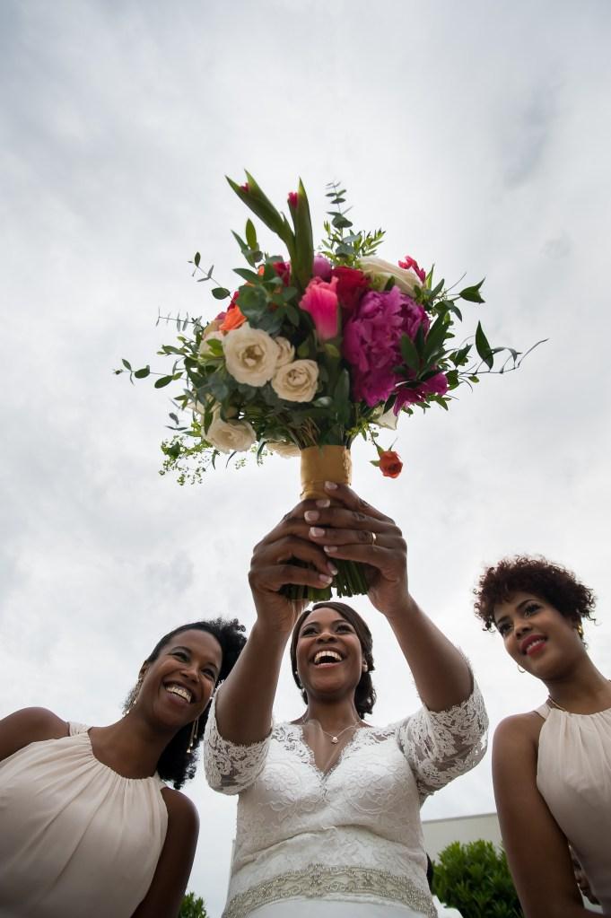 Wedding bridal bouquet throw