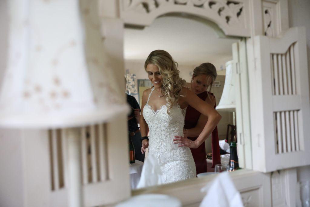 real wedding inspiration - bridal party preparations