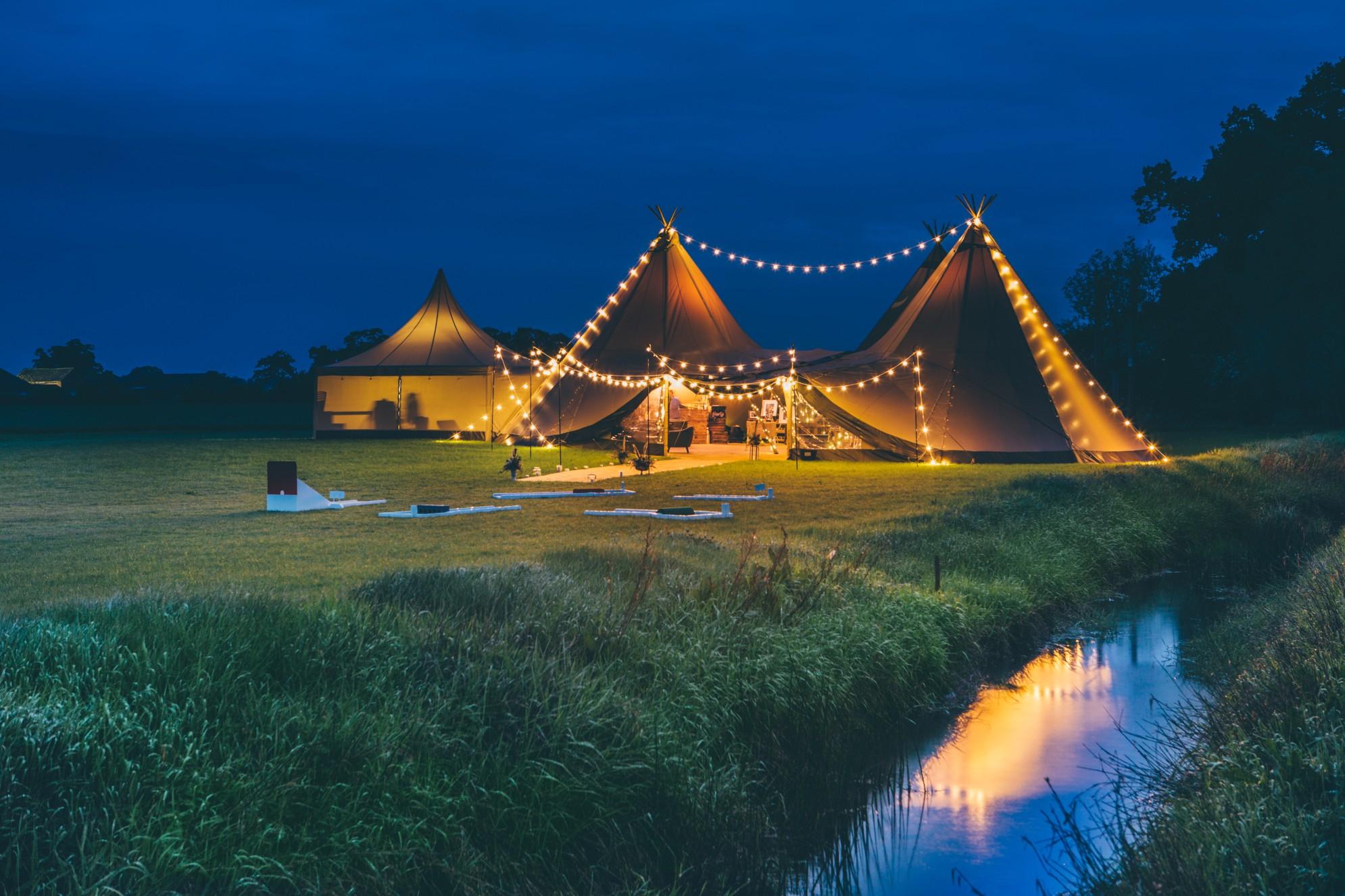 cuttlebrook - derbyshire outdoor wedding venue - field wedding - tipi wedding venue east midlands - river wedding - tipi at night