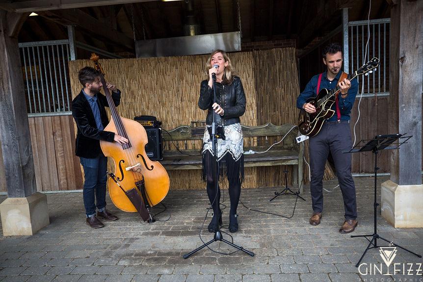 B&N barn wedding reception - wedding entertainment with jazz band the futuristic gramophone
