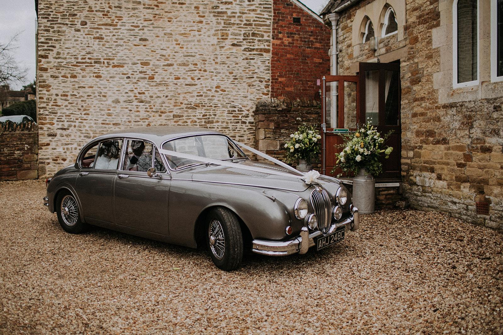 vintage wedding car - rutland wedding - fun wedding - east midlands wedding planner - Leicestershire wedding planning - nottingham wedding planner