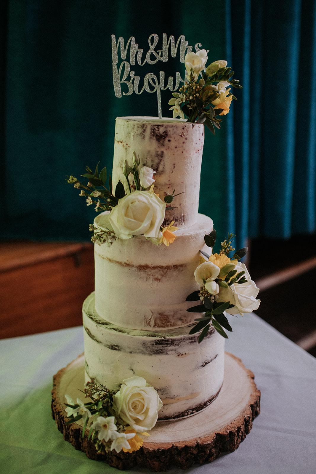 rustic wedding cake - spring wedding cake - rutland wedding - fun wedding - east midlands wedding planner - Leicestershire wedding planning - nottingham wedding planning